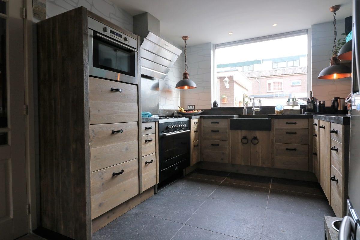 Steigerhout landelijke stijl | keuken Maarssen | rijtjes woning | Esgrado
