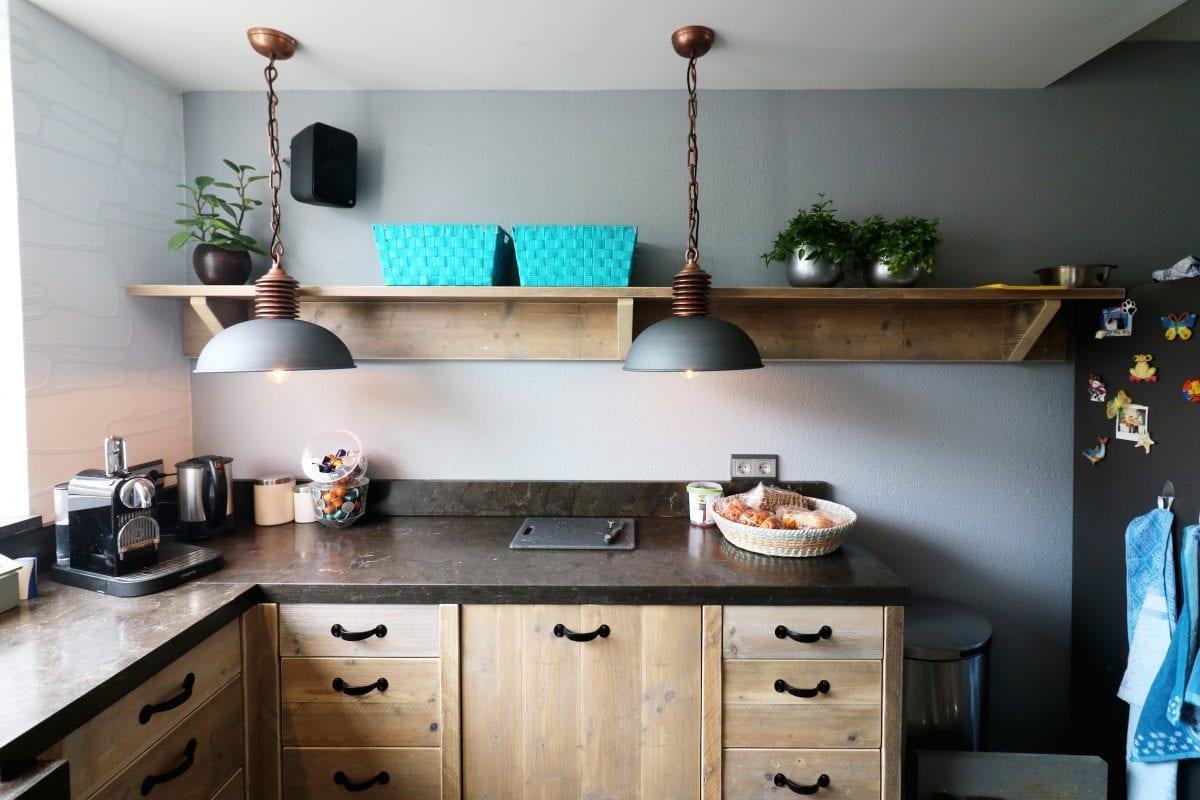 Keuken landelijke stijl met hardsteen aanrecht | Esgrado