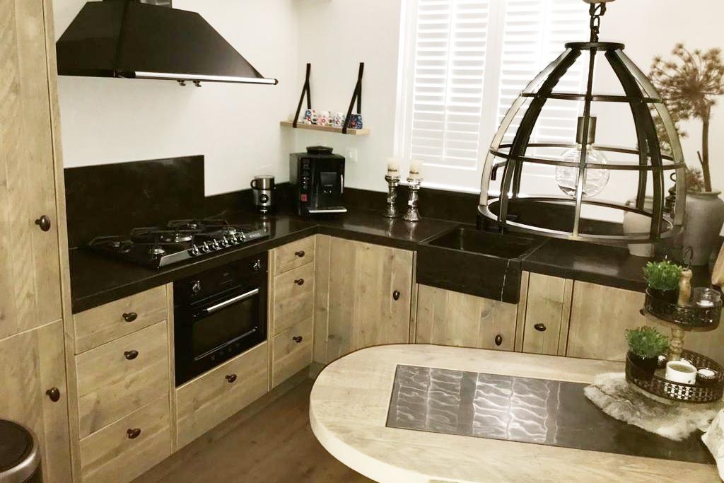keuken en tafel op maat