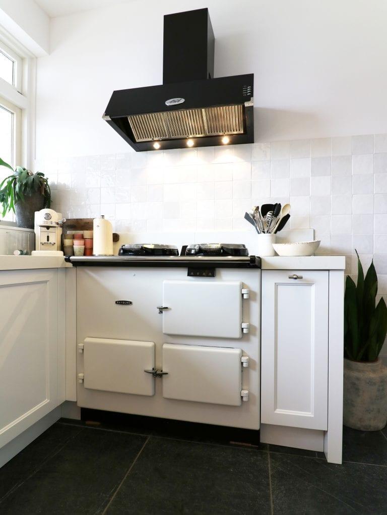 Rayburn oven in klassieke maatwerk keuken | Esgrado